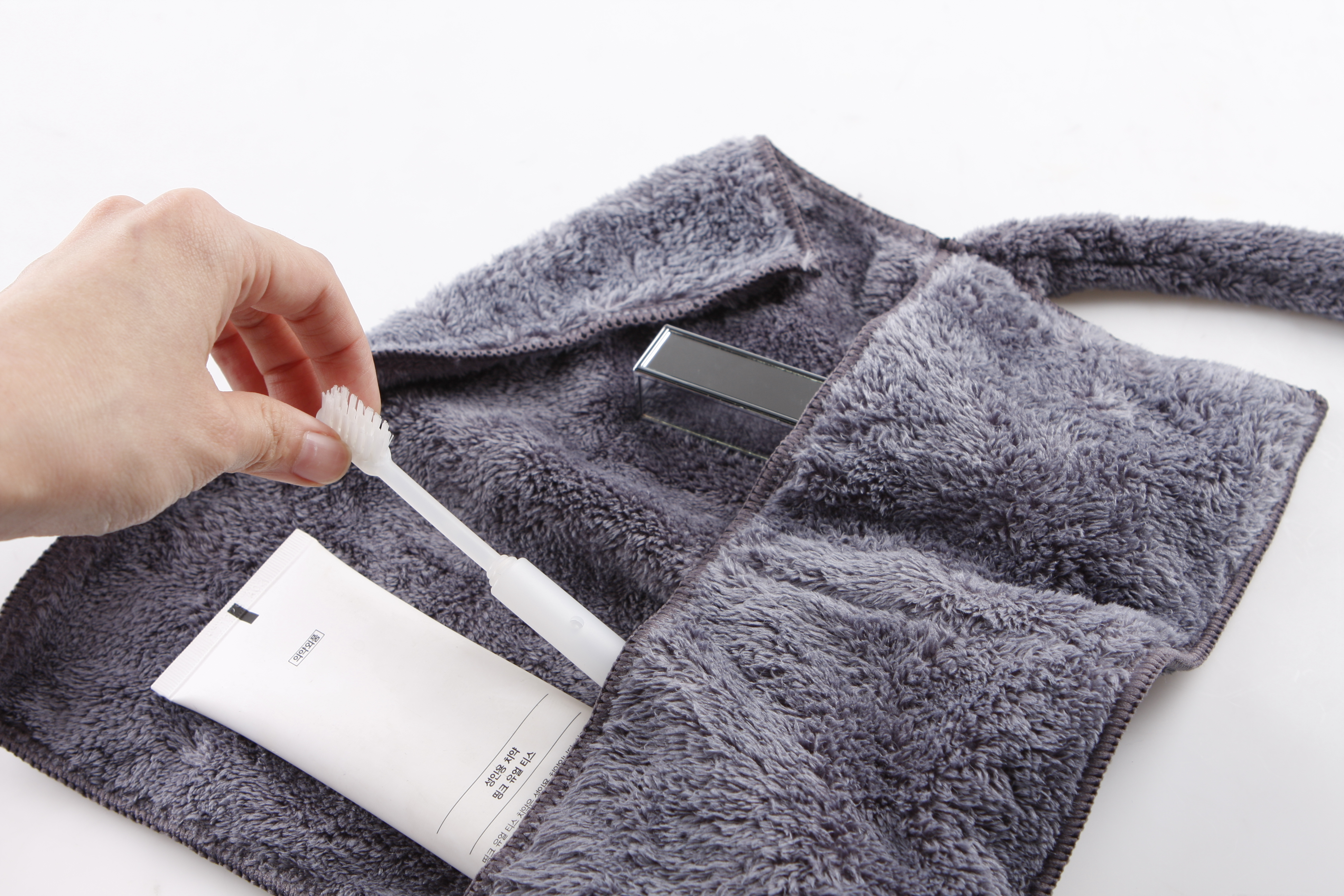 THE TOWEL_GRAY