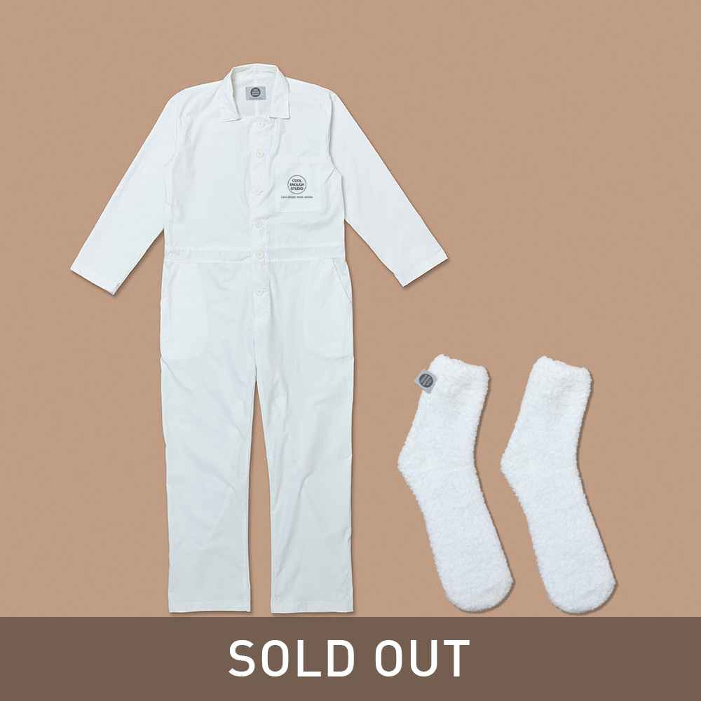 THE PAJAMAS & THE SLEEPING SOCKS SET