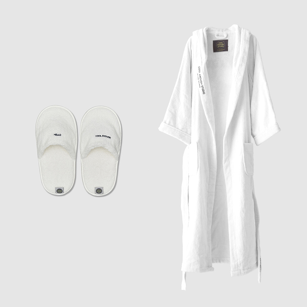 THE ROBE + THE TOWEL SLIPPERS